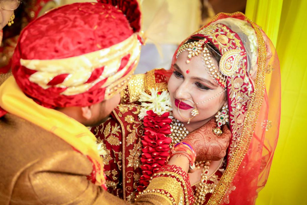 candid wedding photographer in Indore